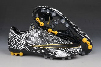 Nike Football Shoes In 429165 For Men